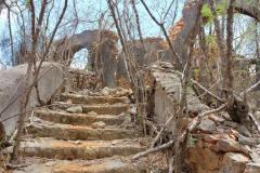 Ruines-du-fort-04